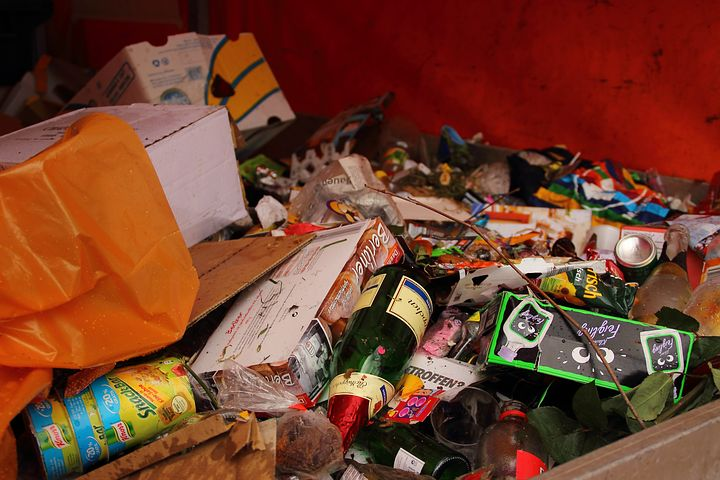 What Are The Advantages Of Using Professional Rubbish Removal Services?